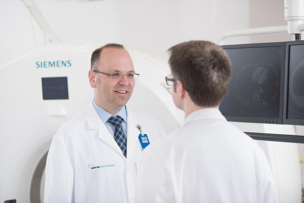 Fein Radiologie Haupt Galerie - Menschliche Anatomie Bilder ...
